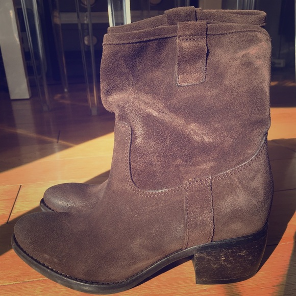 f8354955782 All Saints brown suede cowboy boots, Size US7